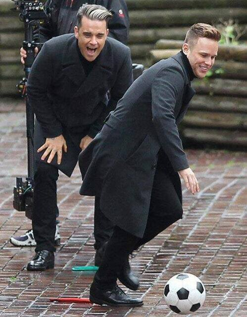 Olly Murs en la grabación de su video con Robbie Williams