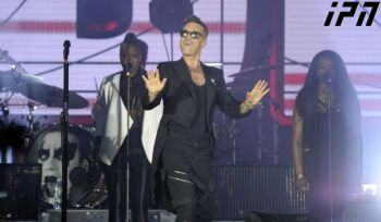 ba967c74c9.images.new_photo.axali_fotos.society.robbie-williams-2